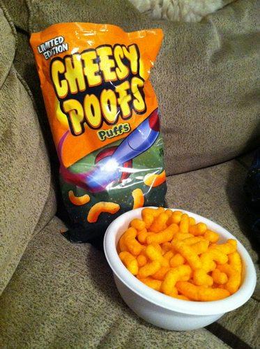 cырные подушечки Cheesy Poofs